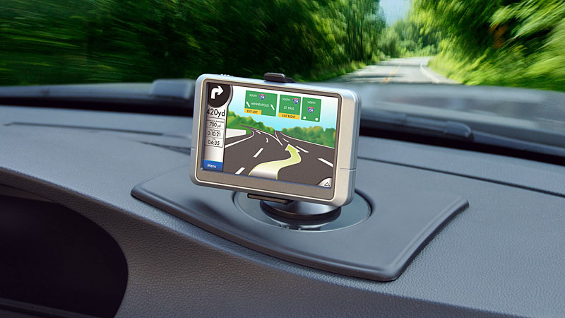 Swivel-gps-dashboard-mount.jpg