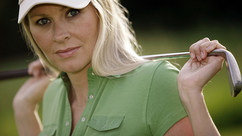 Woman-with-golf-club.jpg